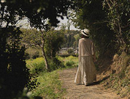 田舎の女性